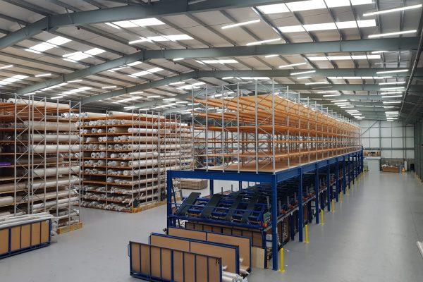 Mezzanine floor with pallet racks for extra storage space