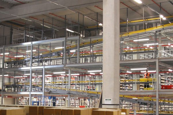 Multi-tiered industrial mezzanine floor